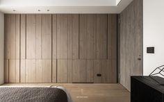 吉光片羽實品屋 – 工一設計 Wardrobe Door Designs, Wardrobe Design Bedroom, Closet Designs, Sliding Wardrobe Doors, Built In Wardrobe, Wardrobe Storage, Interior Walls, Interior Design, Wall Panel Design