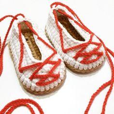 Bebé alpargatas para trajes regionales   Etsy Moccasins, Espadrilles, Flats, Regional, Etsy, Shoes, Fashion, Parts Of The Mass, Suits