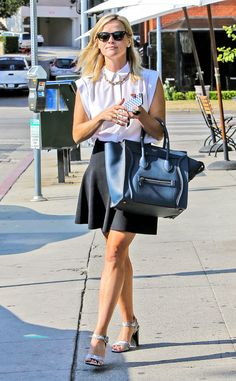 Reese Witherspoon is the definition of California chic! #style