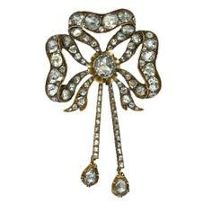 circa 1800 1900 jewerly | Georgian Diamond & Yellow Gold Sévigné. A sévigné is a type of bow ...