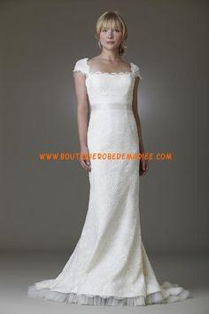 Robe de mariée dentelle col carré tulle