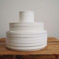 Assiette en porcelaine blanche