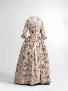 Dress (robe à l'anglaise) and skirts in chintz, ca. 1770-1790, shawl (fichu) in embroidered batiste, 1770-1800.