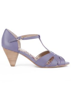 """Sychelles in mint $90  FOUND MY WAY  $90  Material: leather  Heel Height: 2.5"""""""