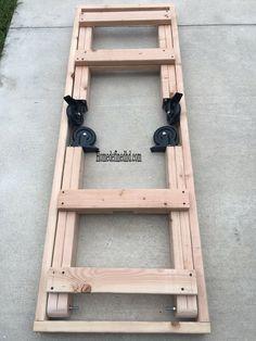 Workbench On Wheels, Workbench Plans Diy, Portable Workbench, Folding Workbench, Woodworking Bench Plans, Woodworking Projects Diy, Diy Wood Projects, Woodworking Shop, Wood Crafts