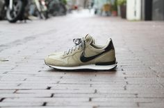 Nike Internationalist Leather Bamboo Black