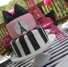 My talented friend Stacy Daxe's cake creation for her daughter's Paris themed birthday