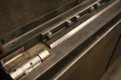 Metal Bending Tools, Metal Working Tools, Metal Projects, Welding Projects, Sheet Metal Bender, Press Brake, Fingers Design, Metal Shop, How To Make Box