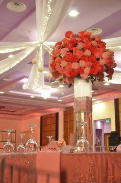 Contrast love #wedding #peachlove #flowers