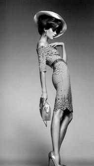 15 Haute Couture Poses for High Fashion Modeling Haute Couture Style, Dior Couture, Foto Fashion, Fashion Beauty, Style Fashion, Classic Fashion, Nail Fashion, Classic Chic, Fashion Black