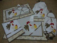 Mais um kit de cozinha feito com aplicações bordadas de galinha.