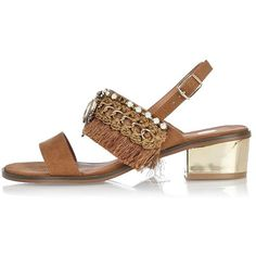 River Island Light brown fringe block heel sandals ($90) ❤ liked on Polyvore featuring shoes, sandals, brown, shoes / boots, women, colorblock sandals, fringe shoes, heeled sandals, brown heeled sandals and brown sandals