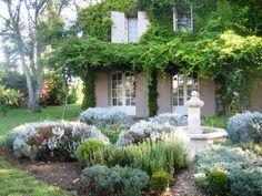 Provencal garden Provence Garden, Houses In France, Garden Landscaping, Landscaping Ideas, Purple Garden, Mediterranean Garden, Garden Stones, French Farmhouse, Garden Gates