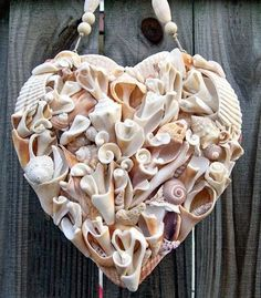 Craft Ideas With Oyster Shells Oyster Shell Art Oyster Shell Art For Sale Seashell Art, Seashell Crafts, Beach Crafts, Diy And Crafts, Arts And Crafts, Crafts With Seashells, Seashell Frame, Beach Frame, Quick Crafts