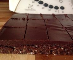 Recipe Raw Chocolate Slice by thermobexta, learn to make this recipe easily in your kitchen machine and discover other Thermomix recipes in Baking - sweet. Coconut Oil Chocolate, Chocolate Slice, Healthy Chocolate, Dairy Free Recipes, Raw Food Recipes, Sweet Recipes, Gluten Free, Healthy Recipes, Diabetic Recipes