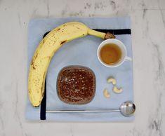 Smoothie banane-cacao Menu, C'est Bon, Smoothie, Banana, Chocolates, Dates, Greedy People, Menu Board Design, Smoothies