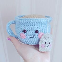 Witzige Amigurumi Idee in Form einer Teetasse mit Teebeutel
