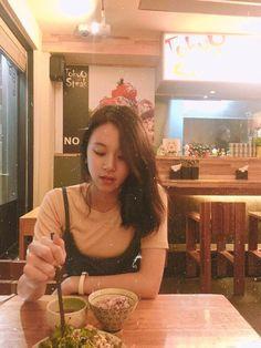 chaeyoung - twice Nayeon, Korean Girlfriend, Me As A Girlfriend, K Pop, Kpop Girl Groups, Kpop Girls, Twice Chaeyoung, Dont Love Me, Jihyo Twice