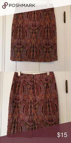 Ann Taylor Paisley Tapestry Pencil Skirt Ann Taylor Paisley skirt in a nice weight tapestry material. Ann Taylor Skirts Pencil