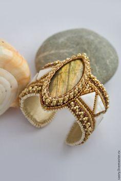 """Купить Браслет """"Золото скифов"""" - золотой, перламутр, лабрадор, белый цвет, золото, браслет"""