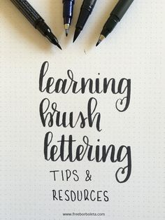 The best DIY projects & DIY ideas and tutorials: sewing, paper craft, DIY. Diy Crafts Ideas Learning Brush Lettering: Tips and Resources -Read Calligraphy Tutorial, Hand Lettering Tutorial, Hand Lettering Fonts, Calligraphy Handwriting, Learn Calligraphy, Creative Lettering, Lettering Styles, Typography Letters, Brush Lettering