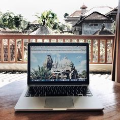 Working on my laptop in Ubud, Bali. www.livelikeitstheweekend.com