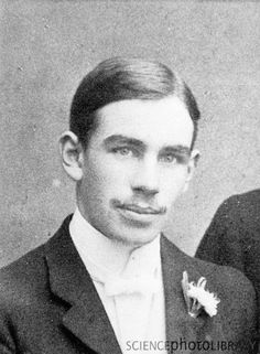 Young John Maynard Keynes at Eton. Credit: SCIENCE PHOTO LIBRARY British economist whose ideas have fundamentally affected the theory and practice of modern macroeconomics, and informed the economic policies of governments Clive Bell, Maynard Keynes, Duncan Grant, Vanessa Bell, Young John, Bell Art, Bloomsbury Group, Science Photos, Great Friends