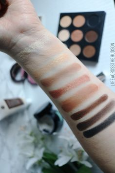 32 Color Lip Palette by Crown Brush #15