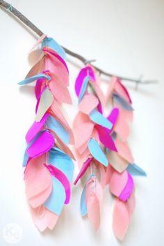 DIY #165. Un móvil de hojas con papel de seda/ Crepe paper leaves pendant