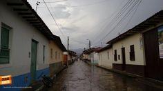 Desde Mogotes en Santander en un día lluvioso, hermoso pueblito. Gracias @N07martinez por la foto #somosSantandereanos