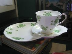 """Royal Albert """"Shamrock"""" Pattern Combined Plate Saucer w Cup Set of 4 Must See 