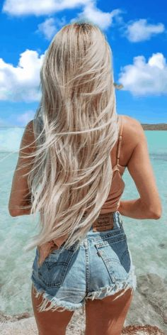 20 Summer Beach Blonde Hair Color : The Ultimate Blonde Hair Beach Blonde Hair, Blonde Hair Looks, Brown Blonde Hair, Long Beach Hair, Blonde Long Hair, Beach Hair Color, Beautiful Blonde Hair, Blonde Plage, Permed Hairstyles
