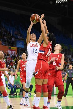 #RIO2016 Diana Taurasi of the USA Basketball Women's National Team shoots the ball against Serbia on Day 5 of the Rio 2016 Olympic Games at Deodoro Youth...