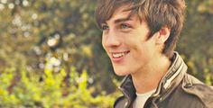 """Angus, Thongs, and Perfect Snogging (based on the book """"Angus, Thongs, and Full Frontal Snogging) starring Aaron Taylor-Johnson. Aaron Taylor Johnson, Angus Thongs And Perfect Snogging, Beautiful Men, Beautiful People, Man Crush, Cute Guys, Character Inspiration, Actors & Actresses, Zack Morris"""