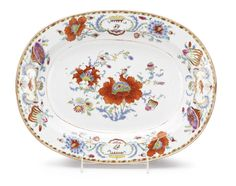 A CHINESE EXPORT PORCELAIN 'POMPADOUR' PATTERN PLATTER CIRCA 1745 - Sotheby's