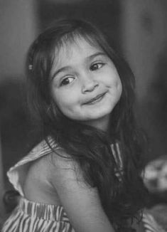 Cute Baby Twins, Cute Little Baby Girl, Cute Kids Pics, Cute Baby Girl Pictures, Girly Pictures, Cute Girl Photo, Cute Kids Photography, Couple Photography Poses, Beautiful Children