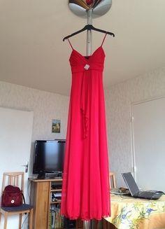 À vendre sur #vintedfrance ! http://www.vinted.fr/mode-femmes/robes-de-soirees-and-cocktails/24549402-robe-longue-rouge-de-soiree-b-smart