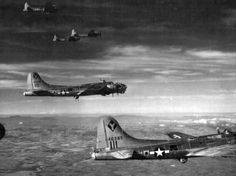 "US bombers B-17 ""Flying Fortress"" in flight over Hungary"