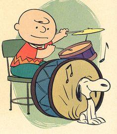 ~ Charlie Brown rocking the drums with Snoopy ~ Peanuts Gang, Die Peanuts, Peanuts Cartoon, Charlie Brown And Snoopy, Snoopy Love, Snoopy And Woodstock, Cartoon Disney, Drums Art, Vintage Drums