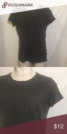 Scooped Tee Olive Green hi lo hem short sleeve tee with chest pocket from H&M (the back bottom of the shirt scoops down lower than the front) H&M Shirts Tees - Short Sleeve