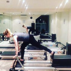 It's #mondaymorning time to kiss ass!  I did this kick back on a blue and a white spring. Great for building up cardio fitness, strengthening legs and bums and a good #pregnacyexercise  #powerpilatesuk #pilates #reformerpilates #health #fitness #fit #fitnessmodel #fitnessaddict #fitspo #workout #cardio #gym #train #training #health #healthy #instahealth #healthychoices #active #strong #motivation #instagood #determination #lifestyle #diet #getfit #cleaneating #eatclean #exercise