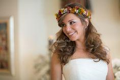 Foto de Castarnado Espacio Fotográfico - http://www.bodas.net/articulos/5-consejos-para-lucir-una-corona-de-flores--c2440