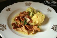 Šťavnaté kuriatka na masle podávané s petržlenovou polentou