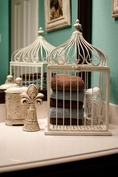 Love the towels in the bird cage. I'm now on the hunt for a bird cage. Bird Cages, Bath Decor, Home Staging, Bathroom Inspiration, Diy Home Decor, Interior Decorating, Decorating Ideas, Interior Design, Diy Projects