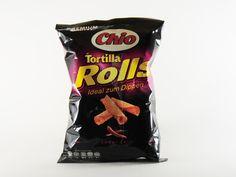 """Für die Herstellung von Tortilla-Chips werden heutzutage Tortillas aus Maismehl in kleine Dreiecke geschnitten und anschließend frittiert. Die neuen """"Tortilla Rolls"""" des Herstellers Chio sollen durch ihre gerollte Form das Aufnehmen von Dips erleichtern. #chiochips #chio #chips #snacks #tortilla #rolls #food #essen #testbericht #produktvorstellung #kjero"""