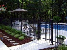 Pool fences are superb for personal privacy along with defense. Yet you can still delight in developing your pool fence. Right here are 27 Superb pool fence ideas! Fence Around Pool, Landscaping Around Pool, Swimming Pool Landscaping, Pool Fence, Backyard Fences, Swimming Pool Designs, Backyard Landscaping, Swimming Pools, Landscaping Ideas