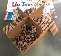 Maison en carton DIY le RDC, maison de poupée, cardboard, récup