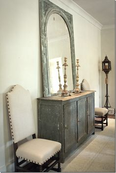 I wonder if I could get this color with a combo of Annie Sloan Chalk Paint Duck Egg Blue & Paris Gray