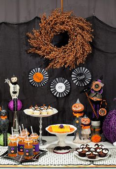 13 of the Loveliest, Cutest and Sweetly Spookiest Halloween Party Setups on the Internet