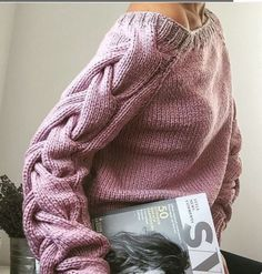 WOOLDOG is a brand which offers hand-knitted sweaters, blankets and cowls which are created of natural wool. Knitwear Fashion, Knit Fashion, Fashion Women, Style Fashion, Fashion Design, Mens Cotton Sweaters, Oversized Sweaters, Winter Sweaters, Knitting Designs
